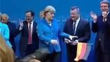 Merkel wirft die BRD Fahne weg!